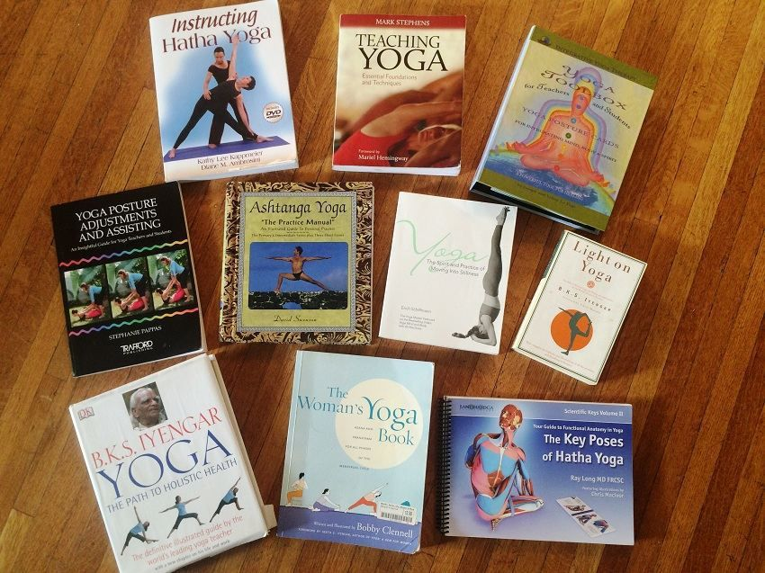 7 Best Books for Yoga Teacher Training