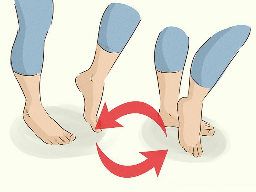 prancing feet yoga exercise for plantar fiscitus that causes heel pain