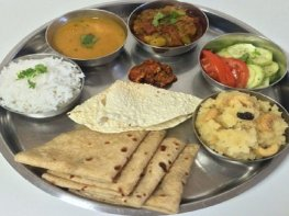 rishikesh yoga food